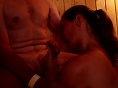 Blowjob in der Sauna