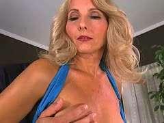 Blondine hart gefickt Reife Mollige blondine