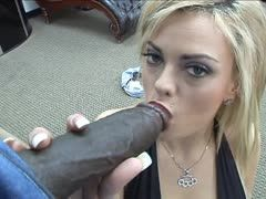 Starla Sterling beim Interracialfick