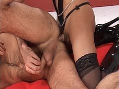 Fetish tranny fucks his asshole