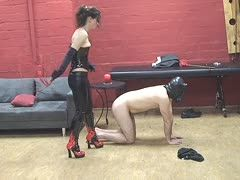 He bows to the dominant slut